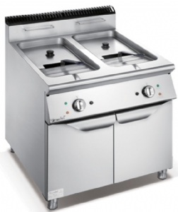700 Series Electric 2-Tank 2-Basket Fryer With Cabinet F7070EFR